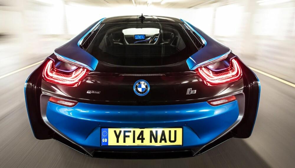 RÅERE VERSJON: BMW fyller 100 år som bilprodusent i 2016, og de gjør det med en real bursdagsgave til seg selv – en BMW i8 med over 500 hestekrefter. FOTO: Produsent