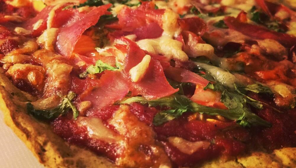 SUNN PIZZA: Nina var skeptisk, men den supersunne pizzaen ligger nå an til å bli en ny favoritt.