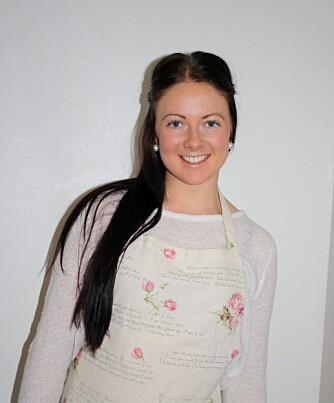 LINDA STUHAUG: Driver bloggen lindastuhaug.blogg.no. Stuhaug har erfaring fra to år på kokk- og servitørlinja, men valgte tilslutt å uvikle seg innen helsefag fremfor kokkeyrket. Matbloggeren er også personlig trener og starter på ernæringsstudiet dette året.
