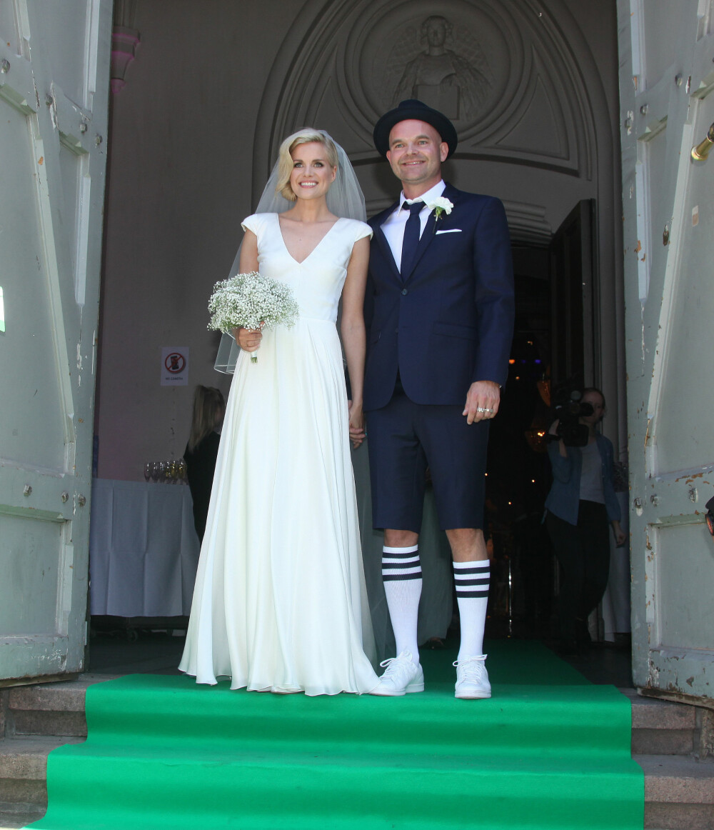 751adbdb BRØT GAMLE TRADISJONER: Da Moods of Norway-gründer Simen Staalnacke giftet  seg med sin