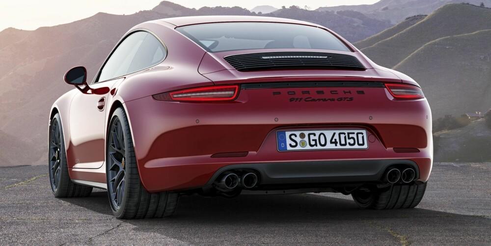MANUELT GIR, TAKK: Nå som manuelle kasser forsvinner fra superbilene, er det fint å se at Porsche lar oss få et godt alternativ. Det er faktisk bortimot sjokkerende hvor bra den er å bruke. FOTO: Porsche