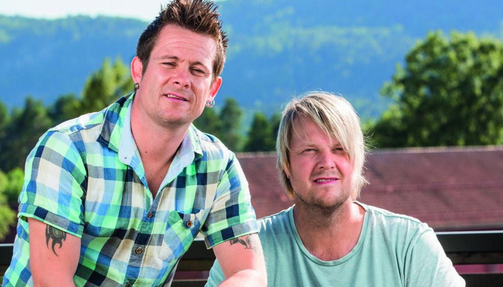HELTER: Lars-Erik Blokkhus og Tommy Elstad fra bandet Plumbo oppdaget ved en tilfeldighet brannen som var nær ved å kreve et menneskeliv.