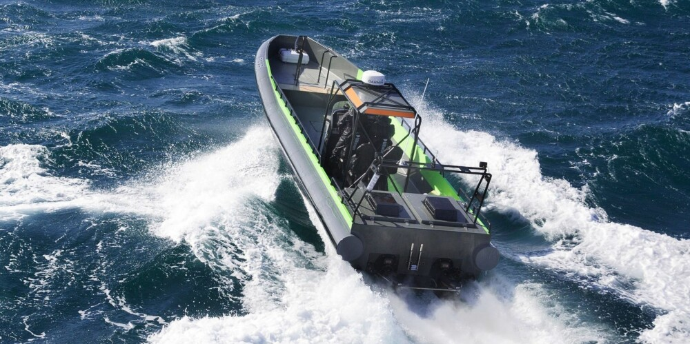 """RIB: """"Thorbjorg"""" ser kanskje ut som en RIB, men er faktisk en tradisjonell åpen båt med massiv, D-formet fenderlist utviklet for å kjøre langsmed større fartøyer. FOTO: Produsent"""