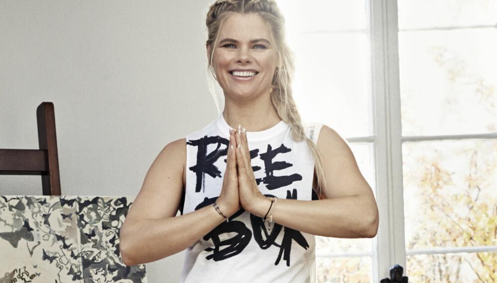 HATHA-YOGA: Yogainstruktør Camilla Coucheron viser deg åtte øvelser innen hatha-yoga.
