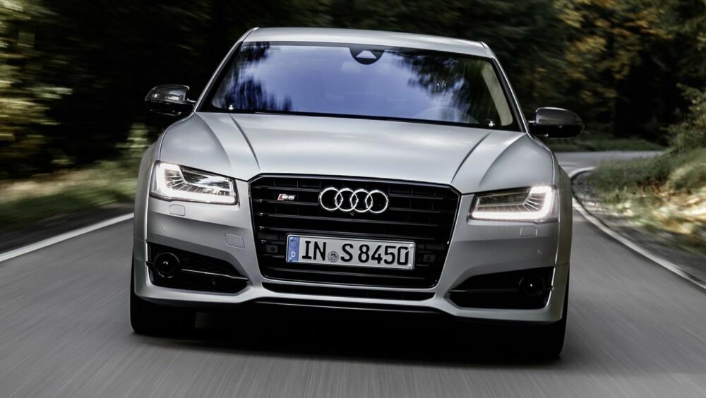 UMULG FYSIKK: At en så stor og tung bil kan gå så fort er egentlig utenfor fatteevnen.