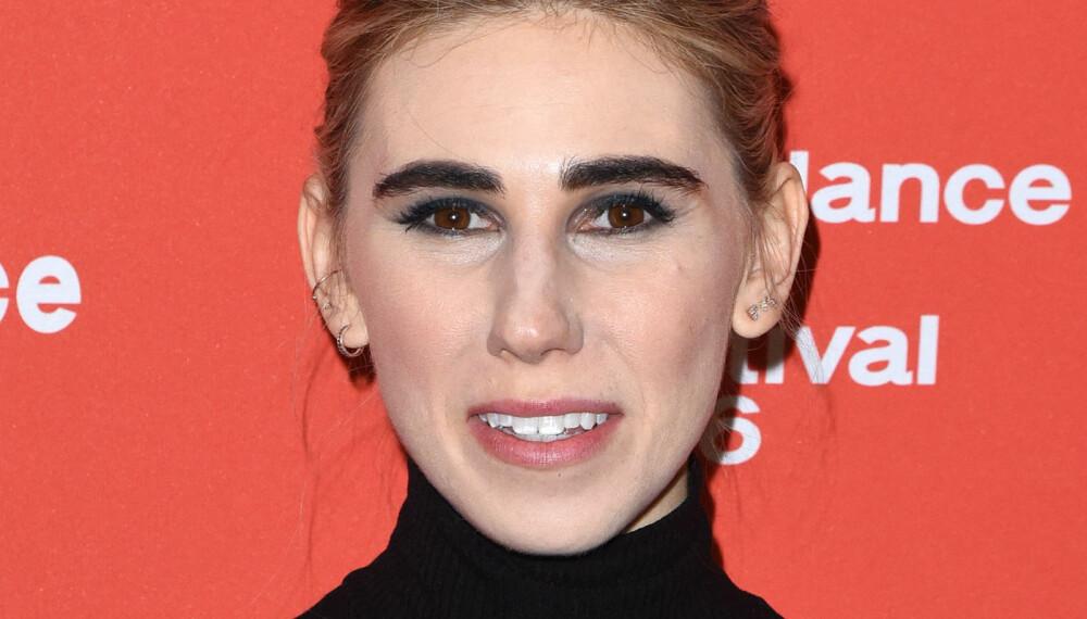 BRYNSTABBE: - Det siste året har det vært populært med en del tykkelse på brynet, men mange drar trenden litt langt og sminker brynene altfor tykke i forhold til sin egen ansiktsform, sier makeupartist og brynsstylist ved Beauty House Oslo, Gina Marie Falck.