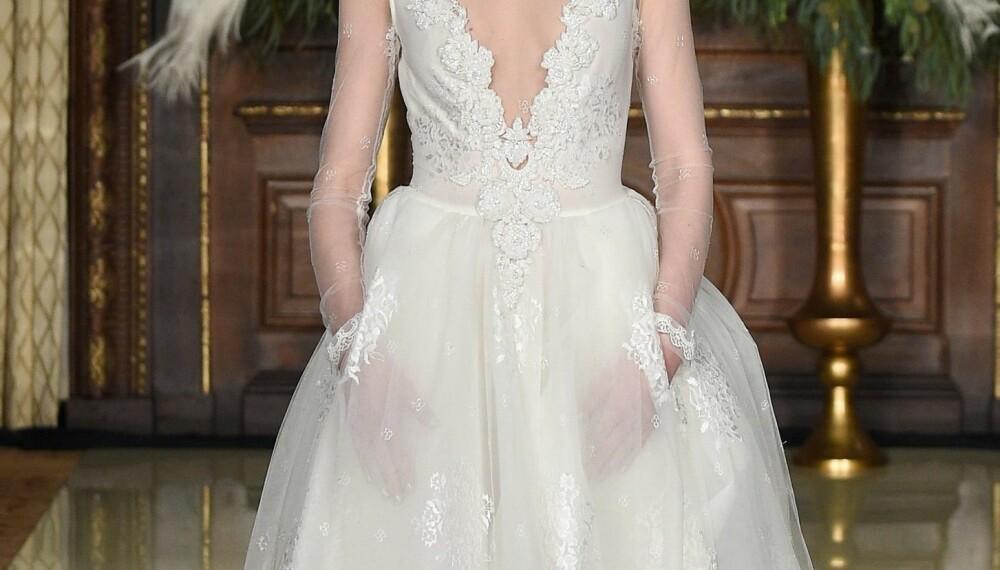 LOMMER PÅ KJOLEN: En brudekjole med lommer på er en morsom og fin detalj.