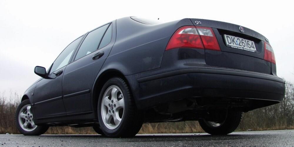 STØDIG SVENSKE: Saab gikk konkurs, men bilene er holdbare. Her en 2002-modell av 9-5. FOTO: Terje Bjørnsen