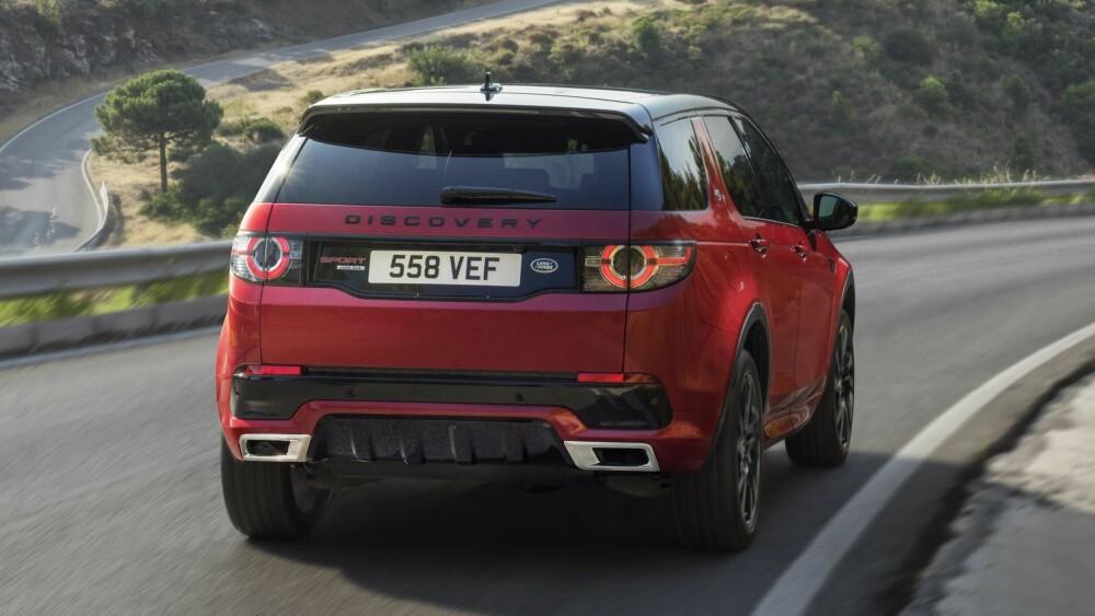 DYNAMISK: Den nye 2,0-motoren i Disco Sport erstatter 2,2-literen. Bildet viser bilen i Dynamic-versjon.