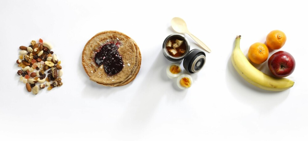 DIGGERE ENN EN SVETT MATPAKKE: Gjør turen ekstra hyggelig med litt nøtter, fersk frukt, suppe på termos eller - ja du hørte rett - pannekaker med medbrakt syltetøy.