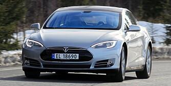 TESLA: Dersom Tesla Model S er typegodkjent etter 1. november 2012, skal den ha TPMS. Biltyper som er typegodkjent før 1. november 2012, trenger ikke å ha TPMS, men kan da ikke selges og registreres etter 1. november 2014. FOTO: Terje Bjørnsen
