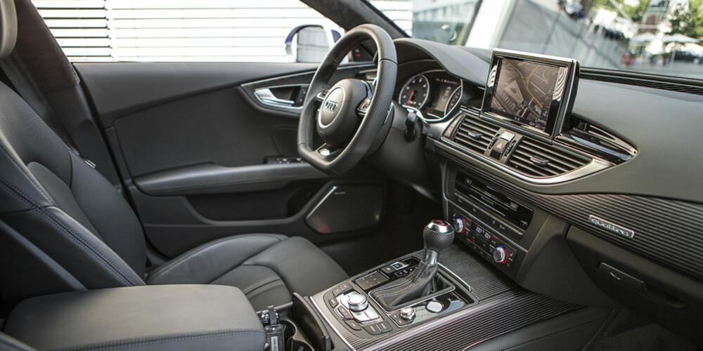FJERN: En av innvendingene mot Audi RS7 Sportback er at kjørefølelsen er litt distansert. FOTO: Kati Ebner
