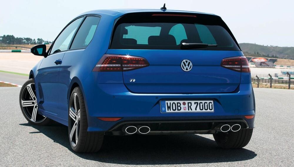 FETT: Fire fete potter sørger for at VW Golf R ikke bare ses, men høres. FOTO: VW