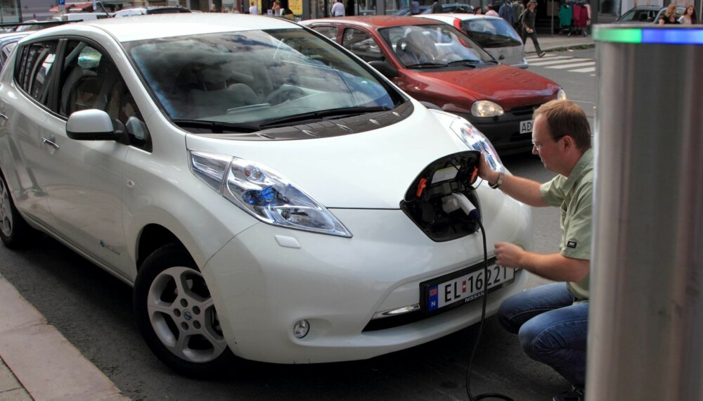 PÅLITELIG BILTYPE: Elbilene har vist seg å være svært holdbare og pålitelige. Nissan Leaf er Norges mest solgte elbil. Det gir godt utvalg på bruktmarkedet.