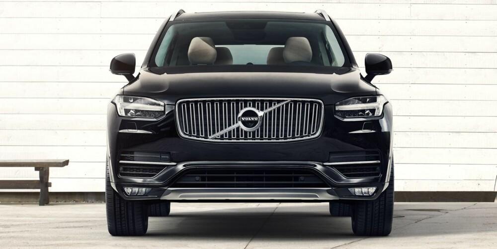 TORS HAMMER: Volvo snakker mye om at de går tilbake til sine svenske røtter. LED-lysene i fronten skal minne om Tors hammer. FOTO: Volvo