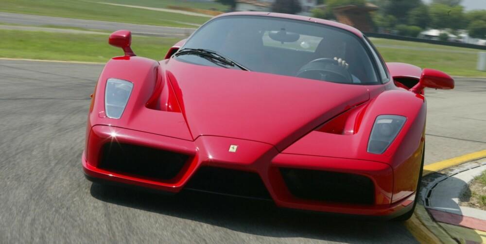 RÅSKINN: Ferrari Enzo var den raskeste superbilen da den ble lansert i 2002. FOTO: Ferrari