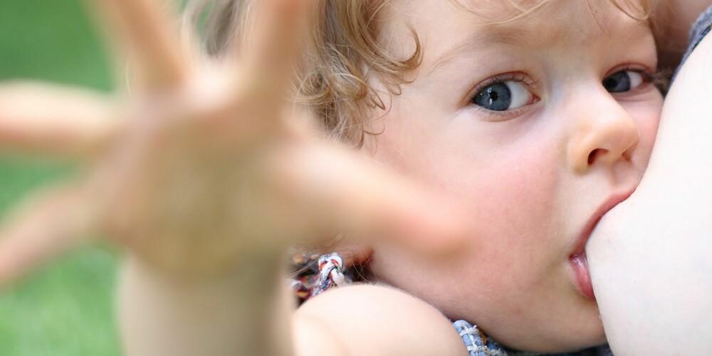 DEKKE ENERGIBEHOVET: I følge WHO kan morsmelk dekke en tredjedel av energibehov til barn på 12 til 24 måneder.