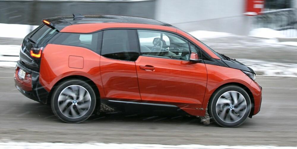 BMW i3: I minus fem grader klarte vi 116 km. Med gradestokken på 20 grader økte rekkevidden til 170 km.