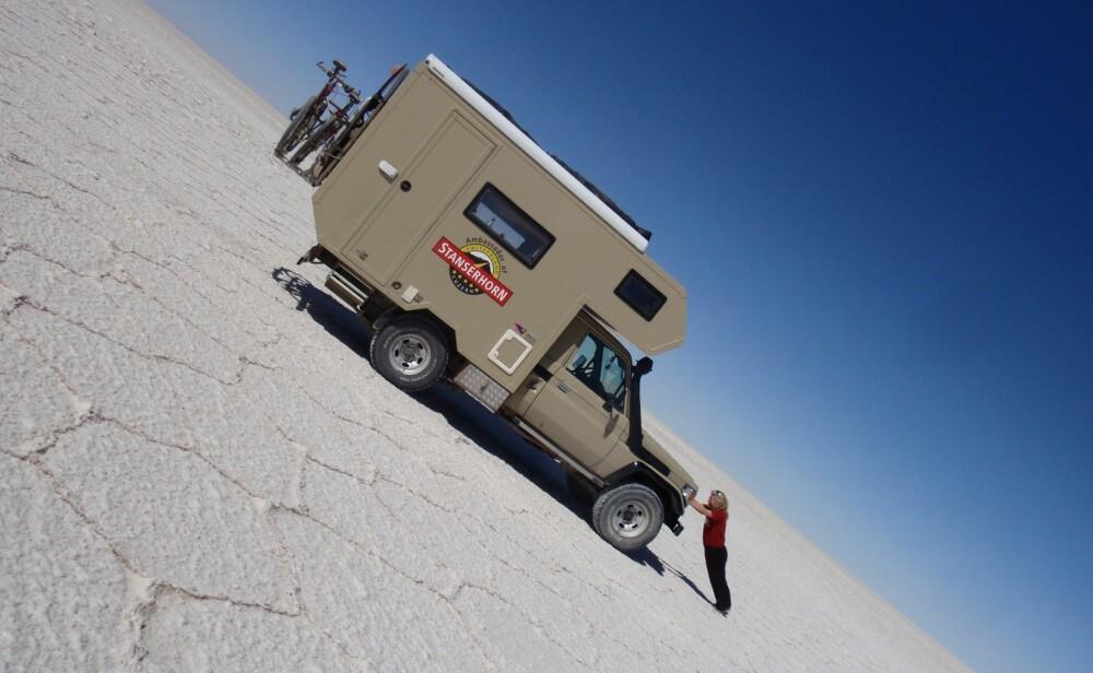 TUNGE TAK: Saltsjøen Laguna Verde helt sør i Bolivia ligger på 4300 meters høyde.