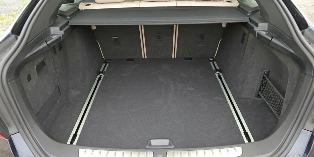 ROMMELIG: Den store bagasjeromsluken gjør det lett å utnytte det 520 liter store bagasjerommet i 3-serie GT til fulle.