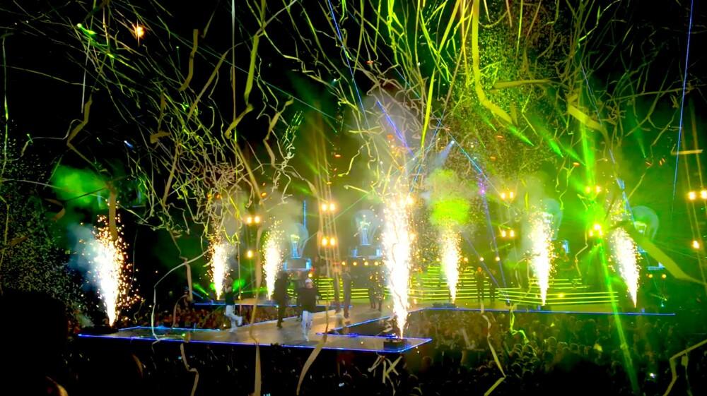 """Konserten ble avslutte i full fest med """"Elektrisk"""" sammen med Katastofe."""