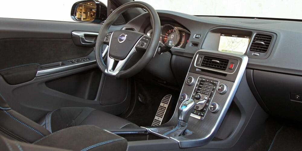 VELBYGGET: På innsiden merkes det godt at V60 har noen år på baken. Interiøret er ikke spesielt moderne. Samtidig skal det sies at V60 T6 Polestar framstår utrolig velbygget.