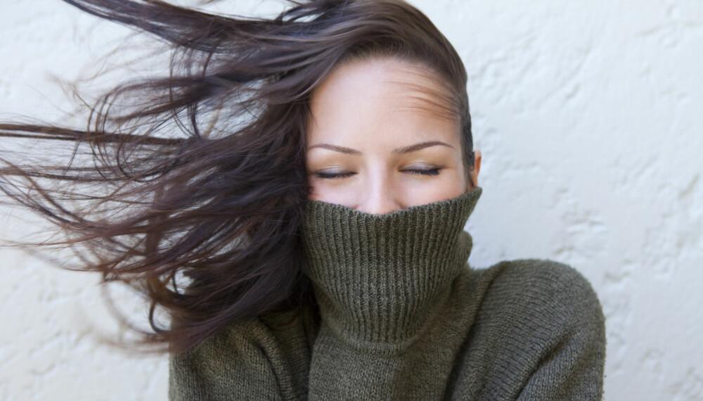 SKADET: Håret ditt kan fort bli tørt og skadet hvis du ikke pleier det riktig i vinter.
