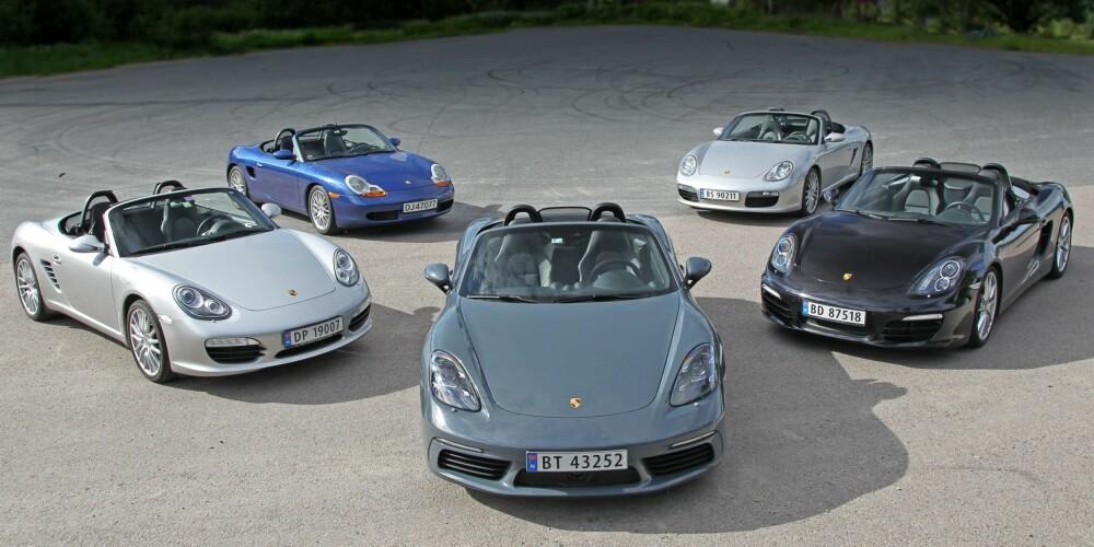 MIDTPUNKTET: Den nye Porsche 718 Boxster, med slektstreet fra venstre mot høyre med årsmodeller 2010, 1998, 2005 og 2014.