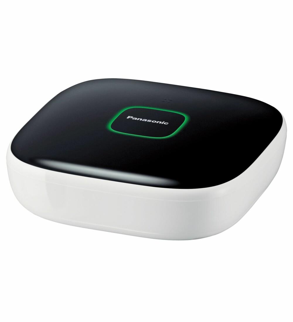 HUB: Navet i systemet til Panasonic er hub-en. Den styrer alle enheten som kobles til.  Hub-en kobles trådløst til din trådløse ruter.