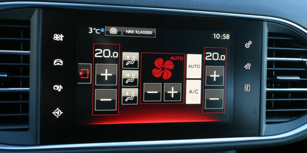 MYE INFORMASJON: Skjermen i midtkonsollen styrer det meste av funksjoner i bilen. Når du har satt deg inn i den fungerer det glimrende.