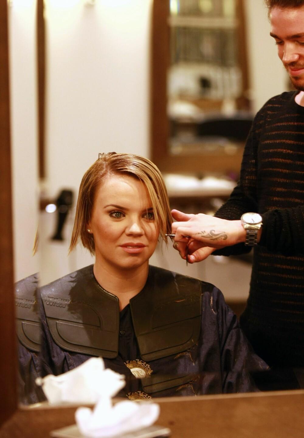HÅRKLIPP: Før du klipper deg til en ny frisyre, kan det i forkant være lurt å finne ut hva som kler ansiktsformen din.