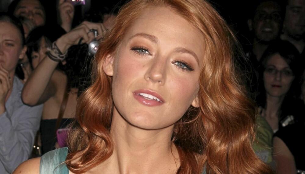RØDTOPP: Skuespiller Blake Lively dropper den blonde looken og satser på rødt hår i vår.