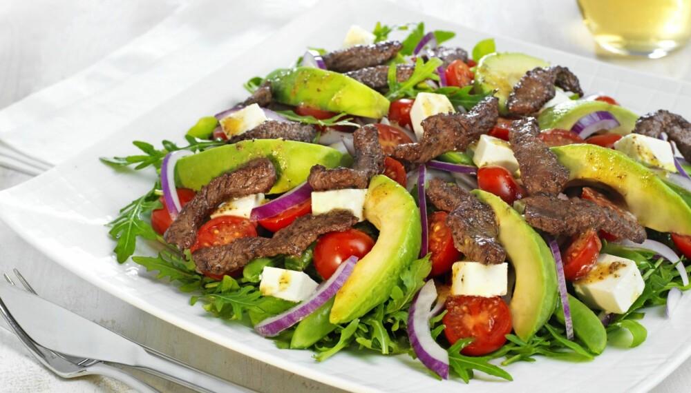 RUCCOLA OG BIFF: Denne salaten er et sunt og godt middagsmåltid, nyt med god samvittighet!