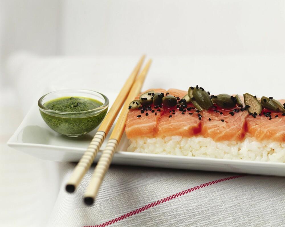 SPIS FISK: Fisk med umettet fett og omega-3 og omega-6 kan ha en heldig effekt på hudens utseende, ifølge ernæringsfysiolog Gunn Helene Arsky.