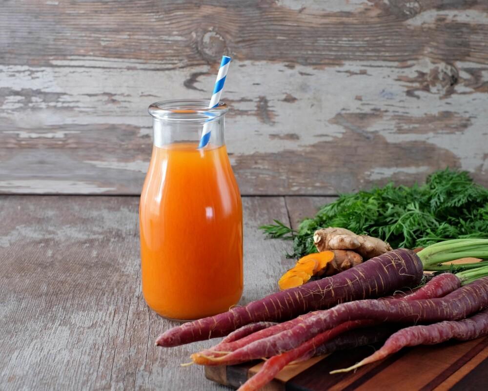 GÅ FOR KNALLE FARGER: - For å holde huden din med et vell av antioksidanter, bør du spise frukt, bær og grønnsaker i alle slags fargenyanser, råder ernæringsfysiolog Gunn Helene Arsky.