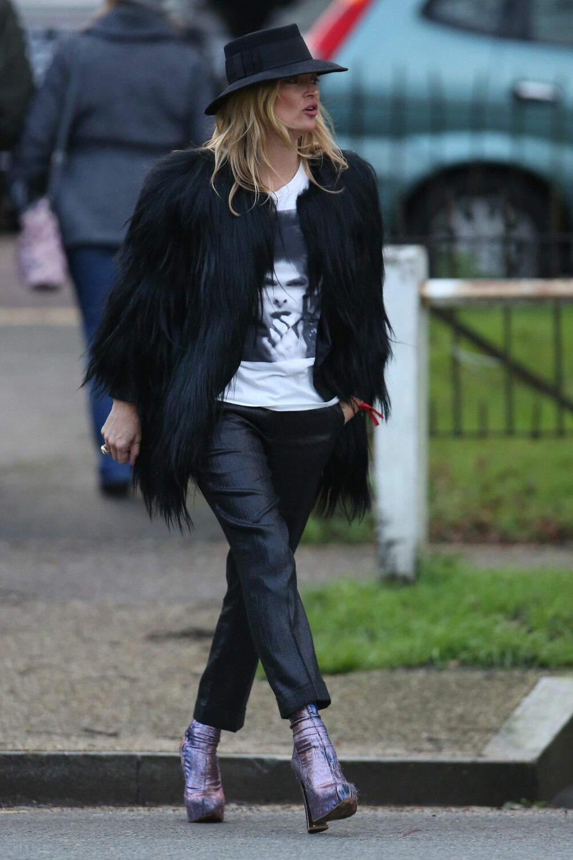 HYLLEST TIL DAVID BOWIE: Supermodell Kate Moss hyllet den avdøde rockestjernen med en t.skjorte.
