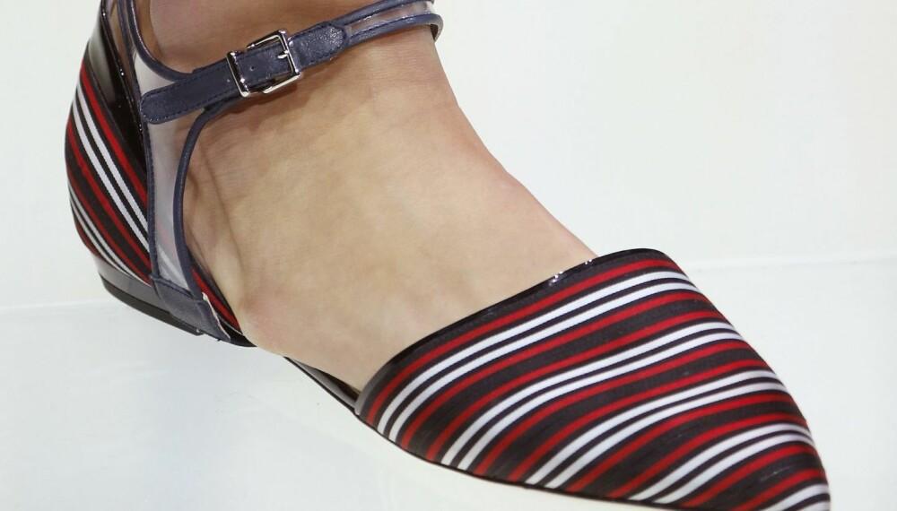 KLAR FOR SPISSE FLATE SKO?: Georgio Armani er en av flere designere som går for flate spisse sko denne sesongen.
