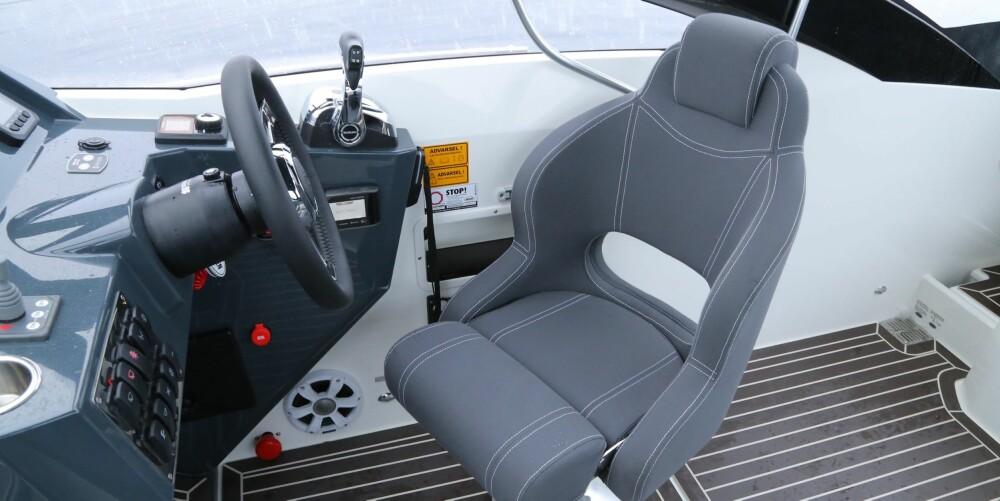 C65-modellen koster fra 440000 kroner med Suzuki 150 hk. Testbåten var utstyrt med Topline-utstyrspakke til 49 000 kroner i tillegg.