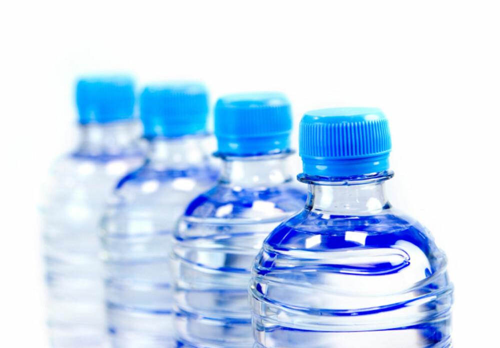 - DROPP FLASKEVANN: Én ting er at det vil spare deg for penger, men du sparer også miljøet for all energibruken som går med til produksjon, transport og nedkjøling av flaskevann.