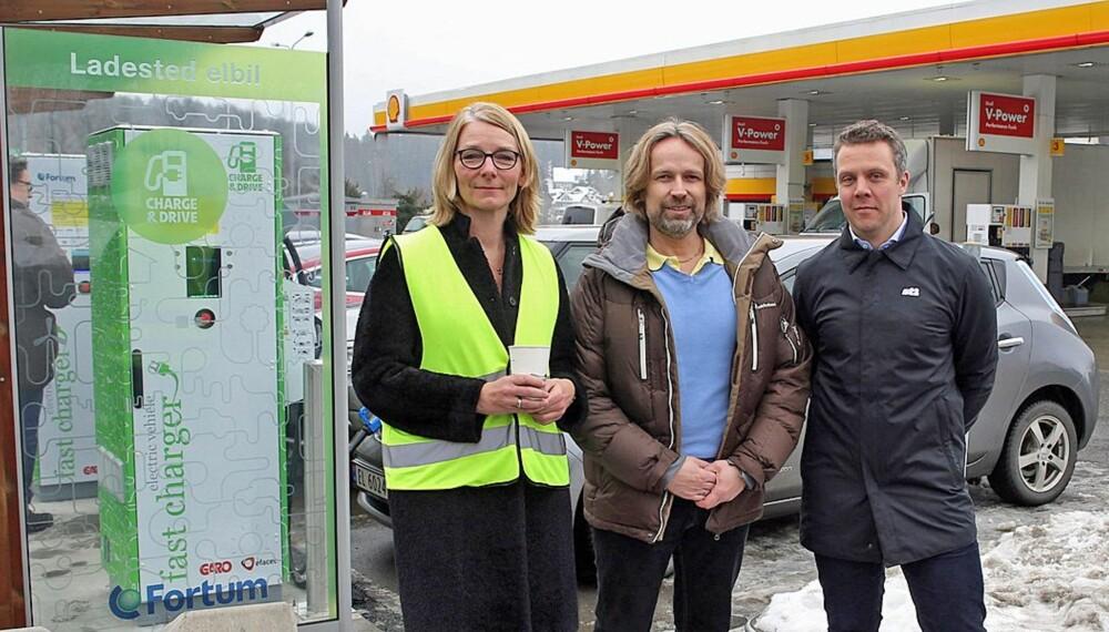 BLIR ENKLERE: Shell og Fortum har nå gått sammen om utbygging av ladetilbud ved Shells stasjoner i Norge. Det vil gjøre elbileierens liv litt enklere.