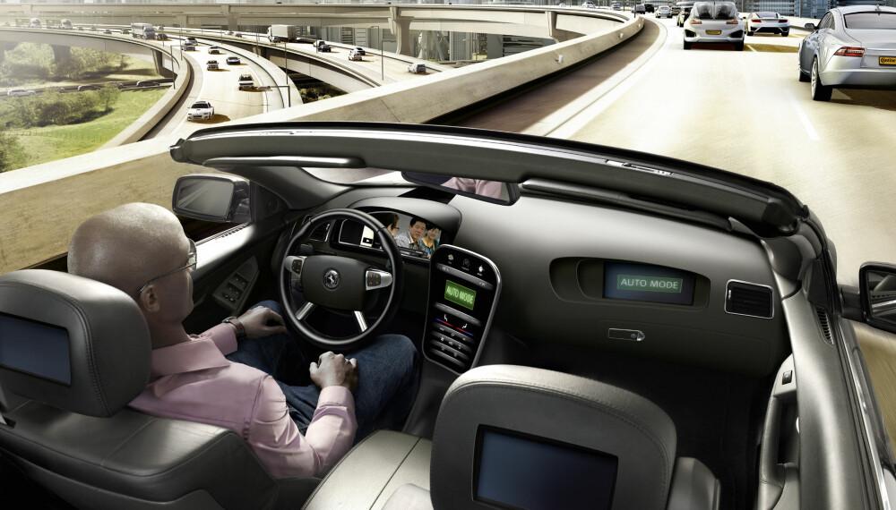 KJØRER SELV: Mange tror at selvkjørende biler er en realitet ti år fram i tid.