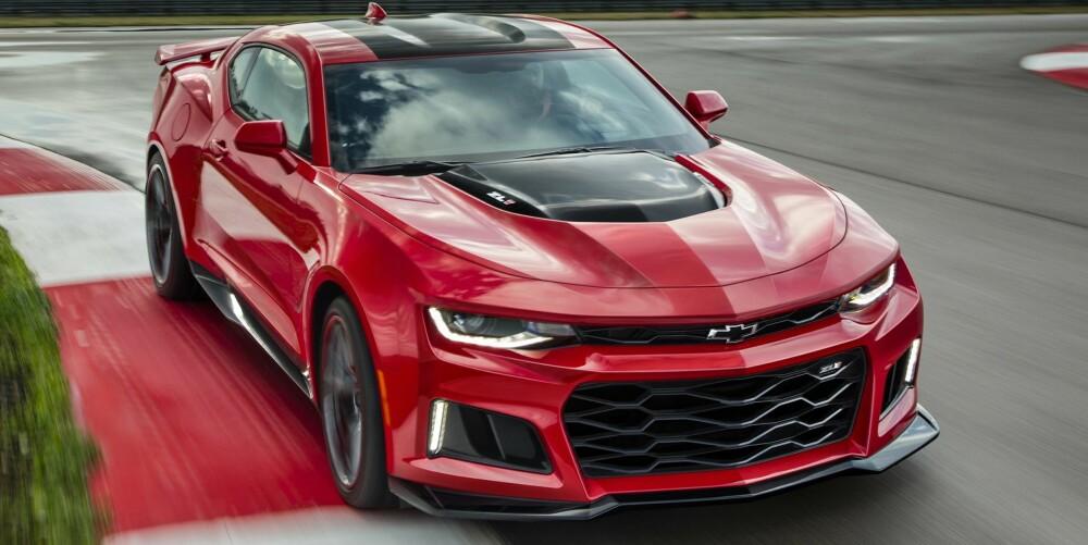 SVÆRT RASK: Ser vi til Corvette Z06, som på papiret er ganske lik, skal vi ikke se bort fra en 0-100 km/t-tid på rundt tre sekunder for Camaro ZL1.