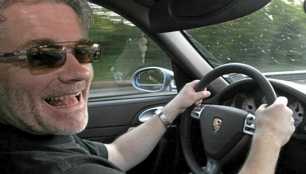 GOD STEMNING: Det er ingen tvil om at riktig musikk er viktig på biltur.