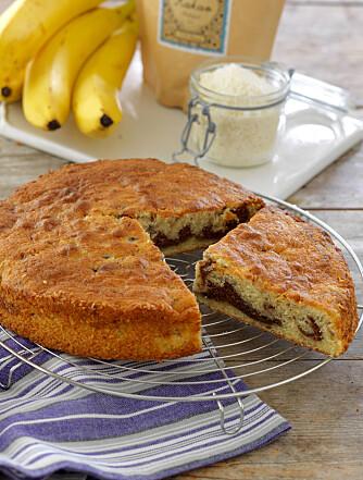 BANAN: Har du banan i røren holder denne kaken seg saftigere lenger.