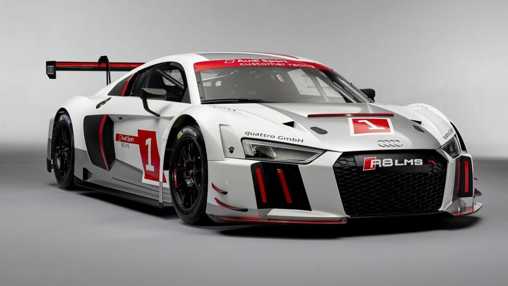 24-TIMERS: Racingversjonen Audi R8 LMS.