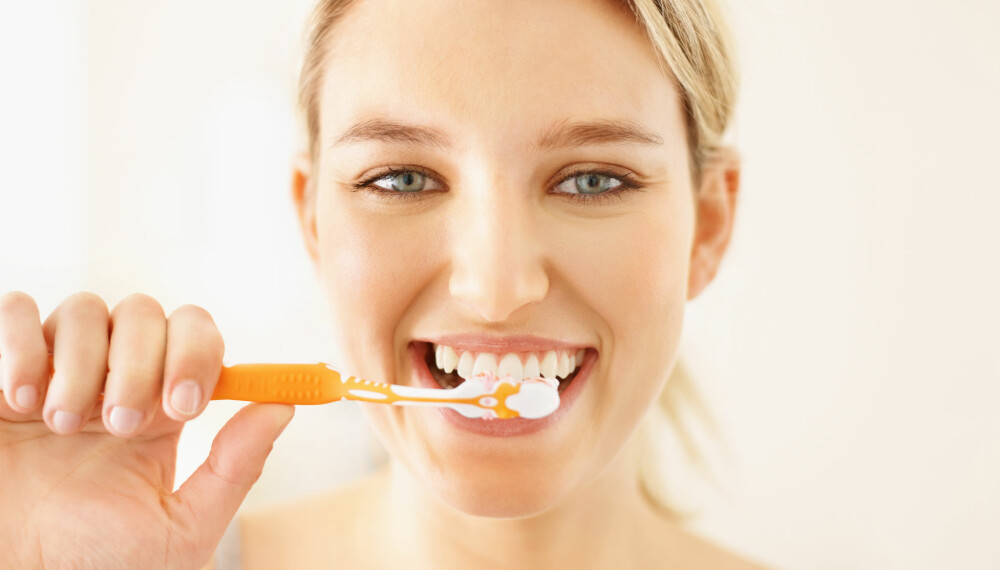 TANNPUSS: Nei, å pusse tenner er ikke bare å pusse tenner. Under kan du lese om de vanligste tabbene.