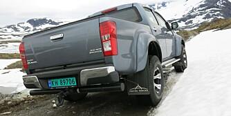 KOMMER FREM: Som med andre biler fra spesialister som Arctic Trucks, så er det primært fremkommeligheten på dårlig vei som er AT 35s styrke. FOTO: Martin Jansen