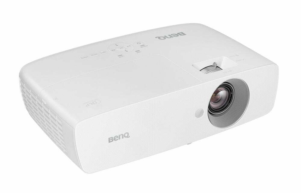 IMPONERT: Benq W1090 leverer en flott balanse mellom lysstyrke og sortnivå.