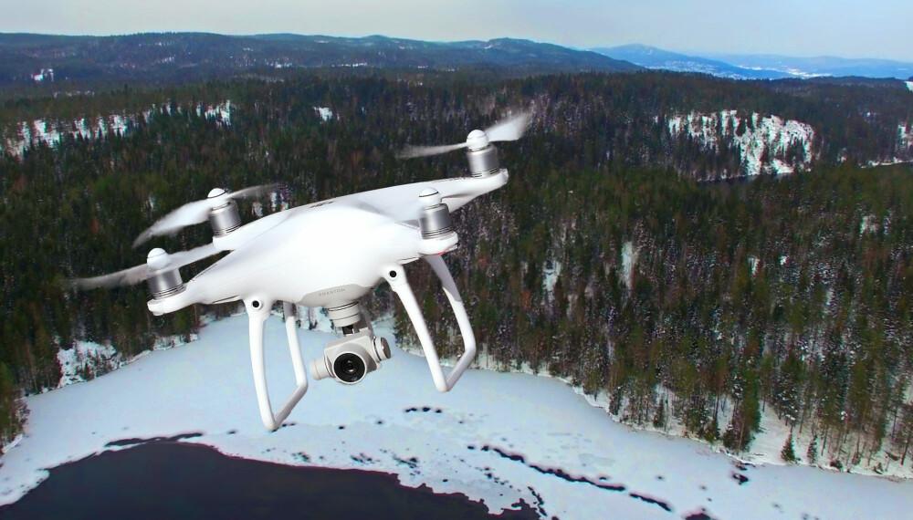 VINTERFLYVNING: Dette bør du passe på om du flyr drone om vinteren.