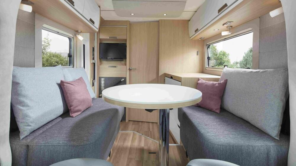 BARBORD: En av interiørversjonene i Smove har et barbord i stedet for et tradisjonelt bord.